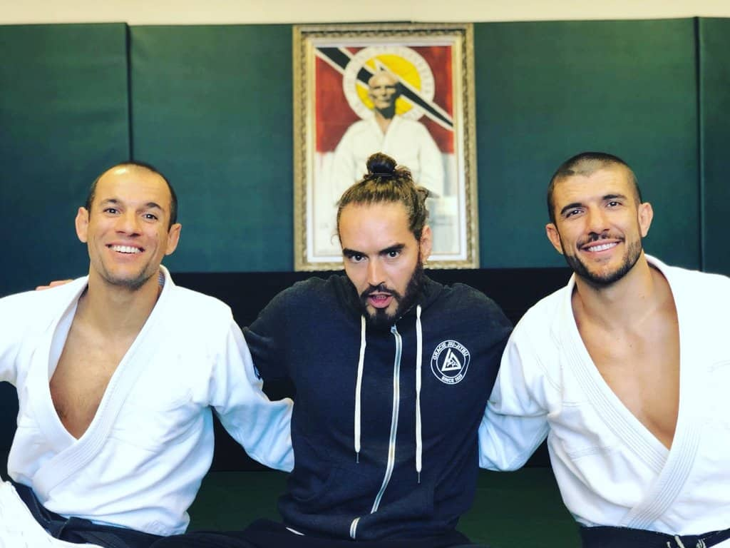 Russell Brand Beaten Up By The Gracie Brothers