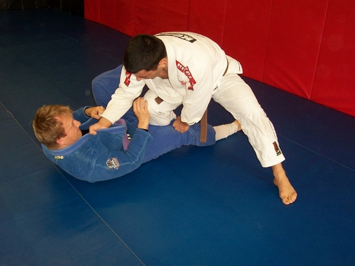 The Knee cut BJJ Gurd Pass