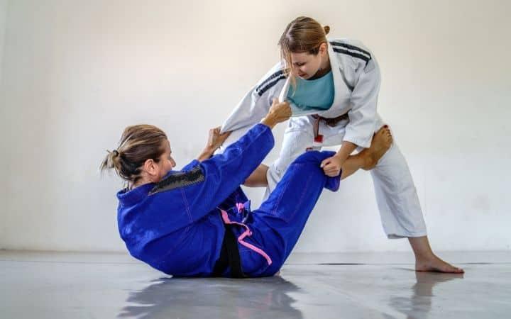 De la riva guard, two girls training | Jiu Jitsu Legacy