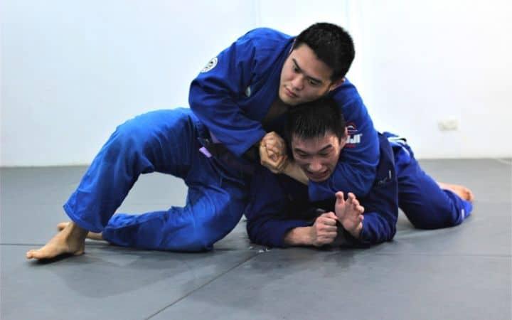 Bulldog choke | Jiu Jitsu Legacy