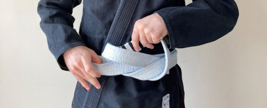 How to Tie a Jiu Jitsu Belt (And Have it Stay Tied!) 12 How to Tie a Jiu Jitsu Belt (And Have it Stay Tied!) how to tie a jiu jitsu belt